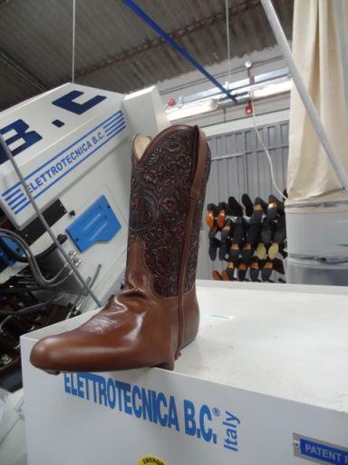 La Mundial boots