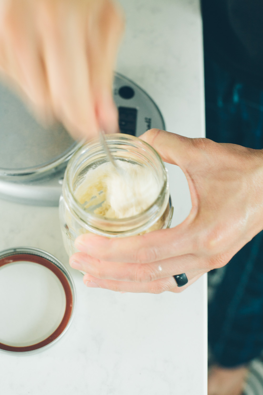 Feeding a sourdough starter without having to discard: a method / Go Eat Your Bread with Joy