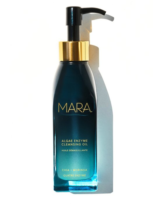 Mara Beauty the Algae Enzyme Cleansing Oil are used to remove makeup