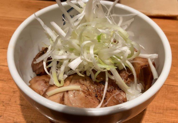 チャーシュー丼 - 楽観 NISHIAZABU GOLD