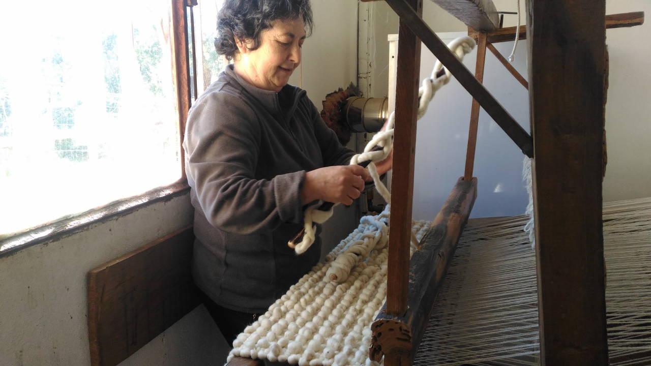 トラズ・オズ・モンテスの手織りラグ