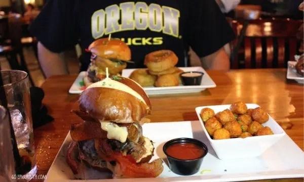 Teak Neighborhood Grill Best Burger in Orlando with www.goepicurista.com