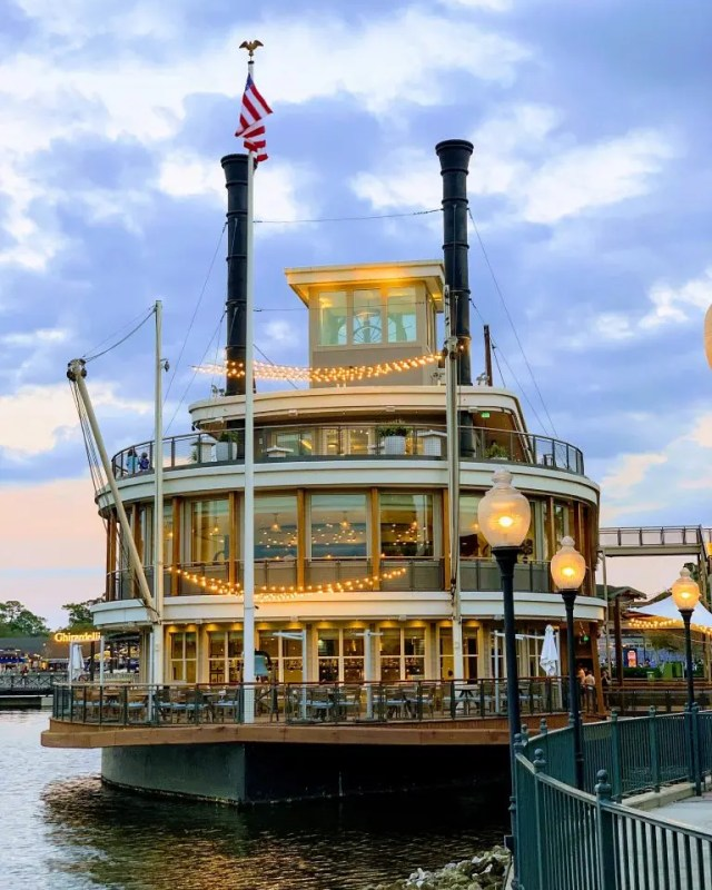 Paddlefish Orlando Restaurant in Disney Springs