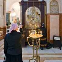 Beachtung des Fotografierverbotes in der Samba-Kathedrale in Tiflis