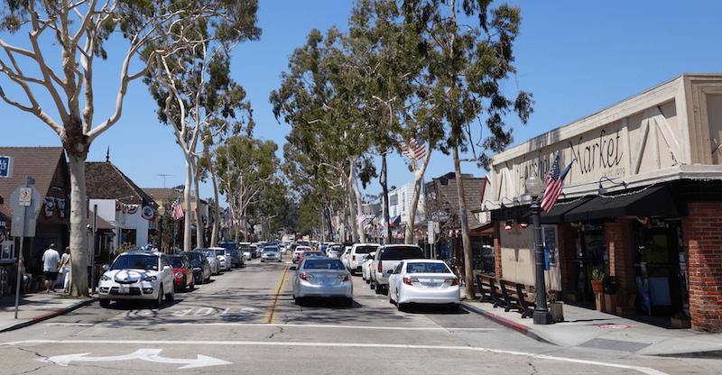 downtown Balboa Island