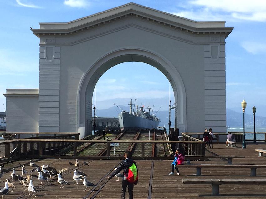 hyde-street-pier-viewpoint