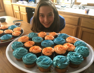 catered super bowl superbowl party thanks to 12yo daughter cupcakes chili