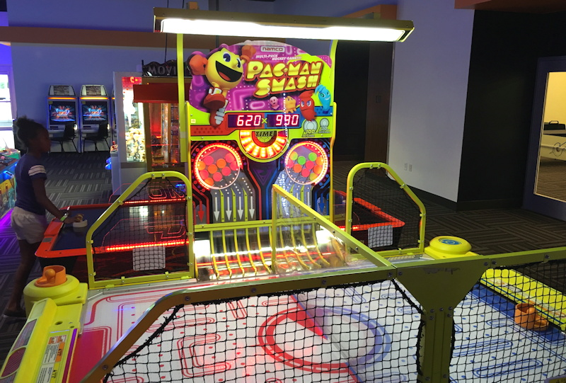 pacman mania air hockey