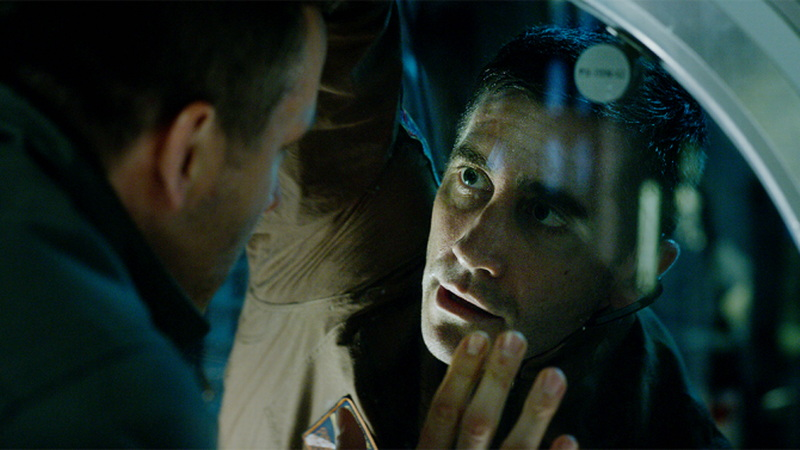 """Ryan Reynolds and Jake Gyllenhaal, from """"Life"""" publicity still photo"""