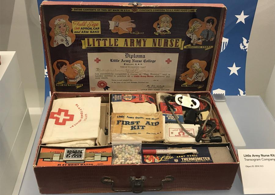 little army nurse play set