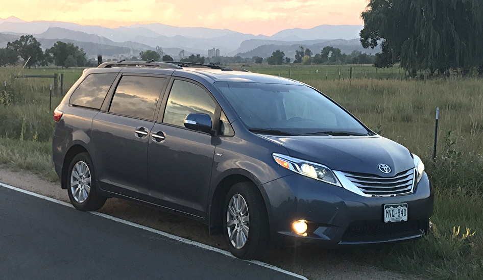 2017 toyota sienna awd ltd front view exterior