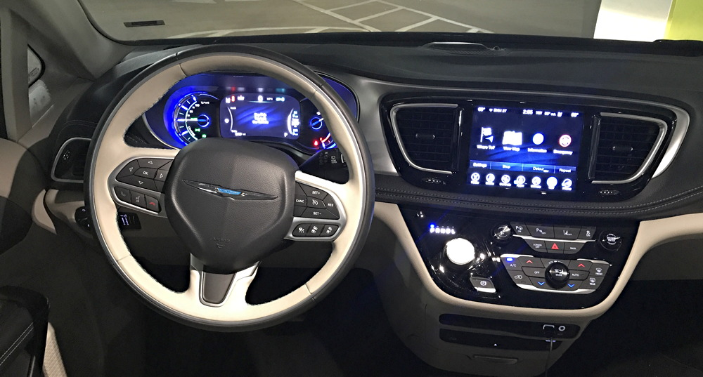 2017 chrysler pacifica hybrid - interior dash