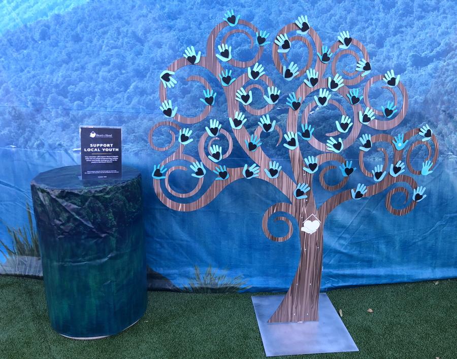 heart & hands giving tree