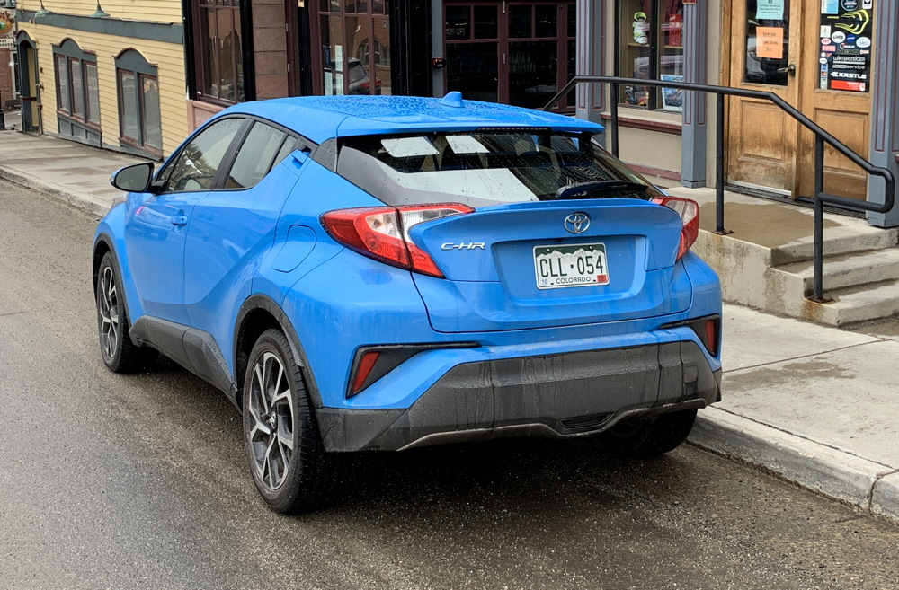 2019 toyota c-hr xle rear view exterior