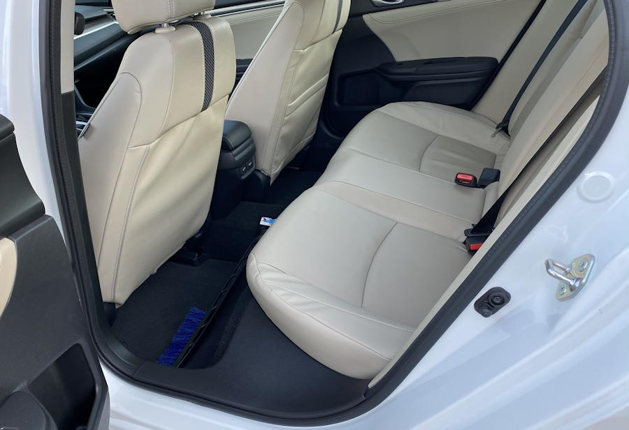2019 honda civic touring  rear legroom