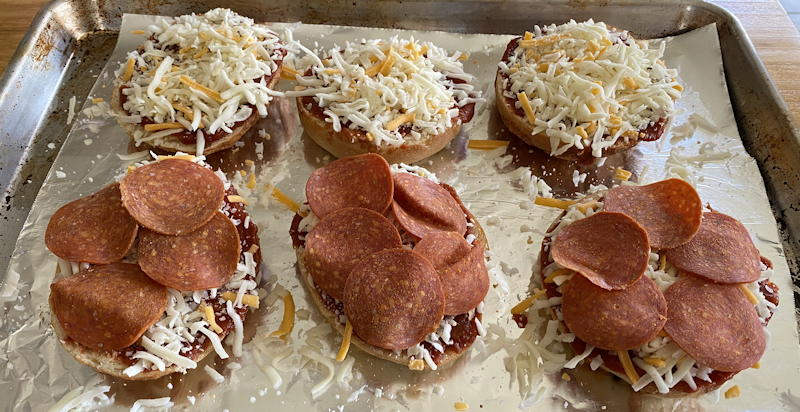einsteins pizza bagel kit - ready to bake