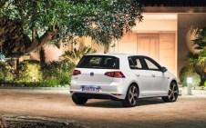Volkswagen-Golf_GTI_2014_1280x960_wallpaper_15
