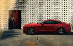 2015-Ford-Mustang-Photos-33[2]
