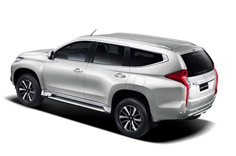 Mitsubishi-Pajero-Sport-2