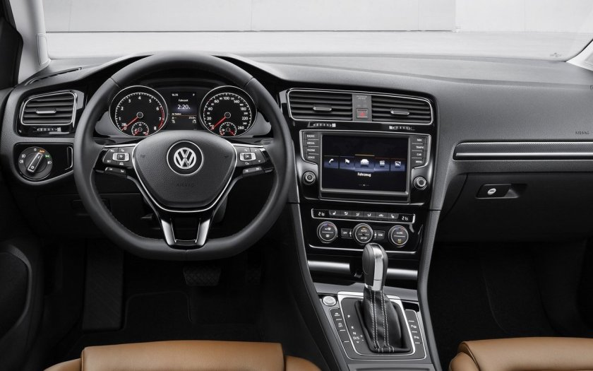 Volkswagen-Golf-2013-1280-36