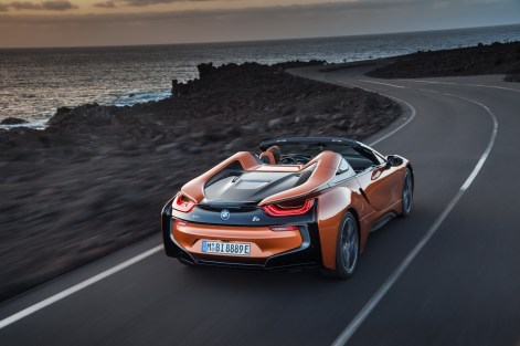 2019-BMW-i8-Roadster-Coupe-66