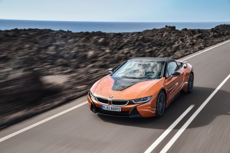 2019-BMW-i8-Roadster-Coupe-68