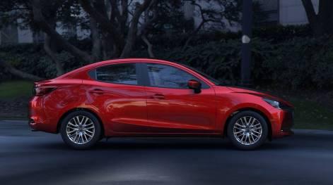 2020-Mazda2-Sedan-Mexico-spec-9