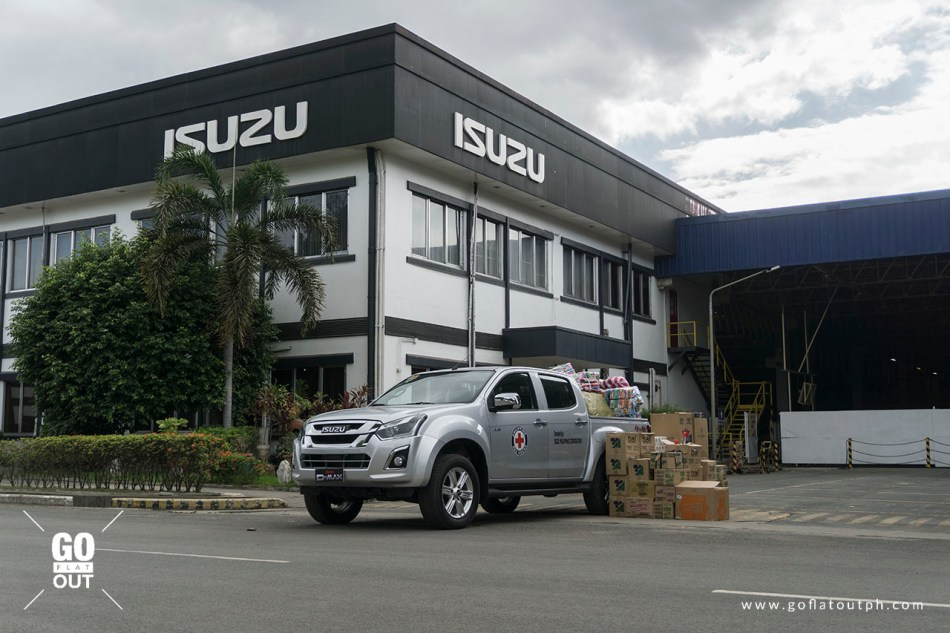 Isuzu PH Donates An Isuzu D-Max 4x4 To The Philippine Red Cross