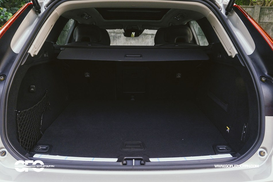 2020 Volvo XC60 T8 Inscription Trunk Space