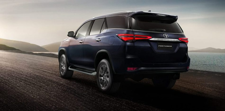 2021 Toyota Fortuner 2.4 G Exterior