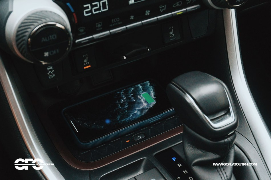 2020 Toyota RAV4 2.5 LTD Wireless Charger
