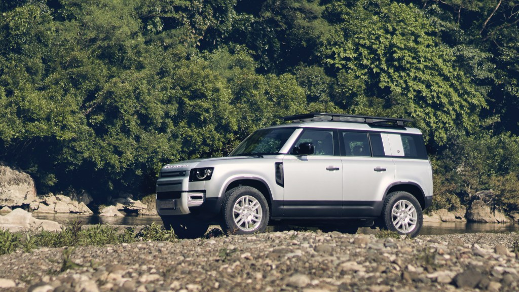 2021 Land Rover Defender Conquers Tanay Before PH Launch