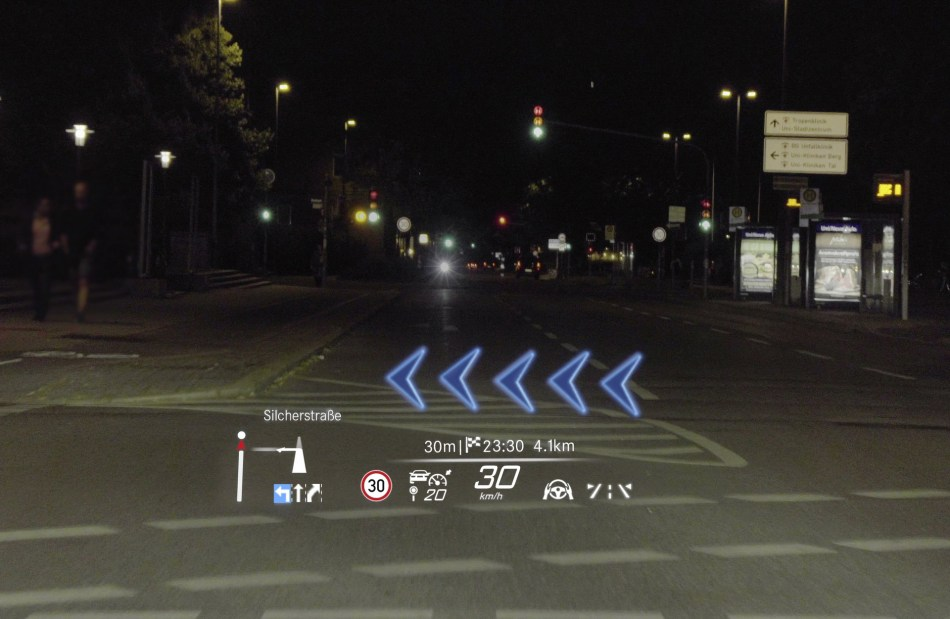 2021 Mercedes-Benz S-Class Augmented Reality HUD