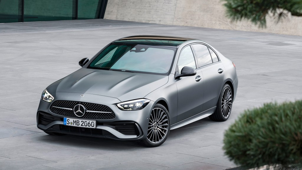 All-New 2022 Mercedes-Benz C-Class Debuts With Electrified Engines