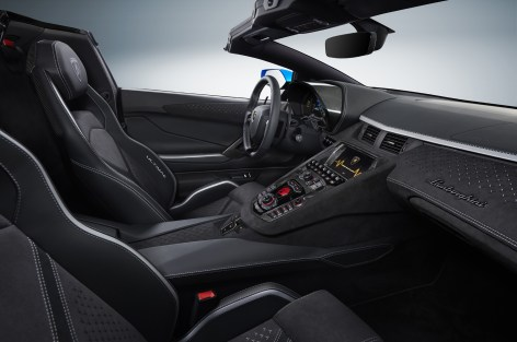 Lamborghini_Aventador_Ultimae_21