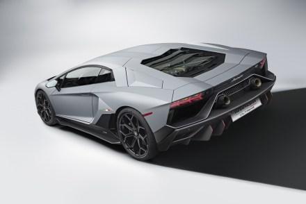Lamborghini_Aventador_Ultimae_9