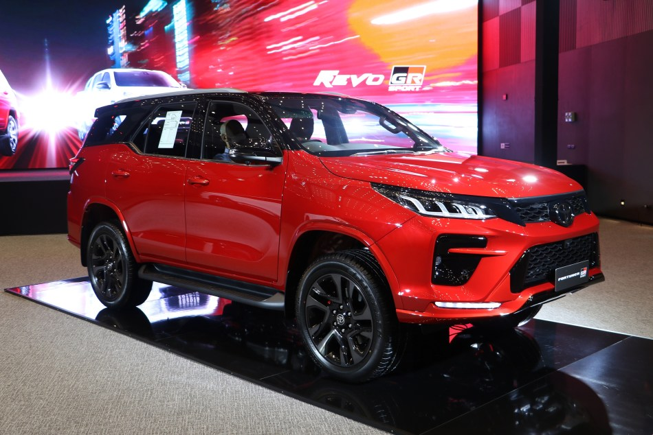 2022 Toyota Fortuner GR Sport