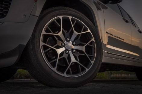 2022-Jeep-Grand-Cherokee-55-1