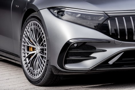 2022-Mercedes-AMG-EQS-53-26