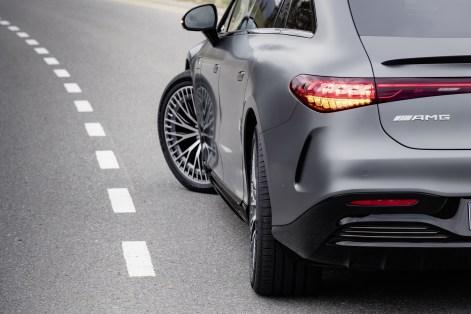 2022-Mercedes-AMG-EQS-53-31