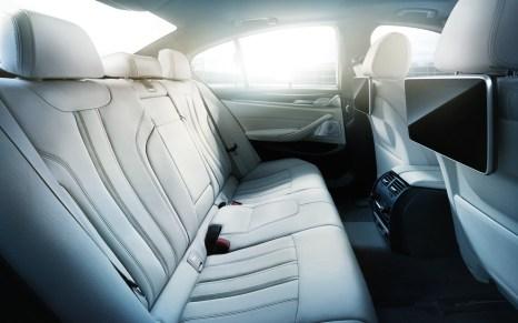 BMW-5series-sedan-imagesandvideos-1920x1200-10