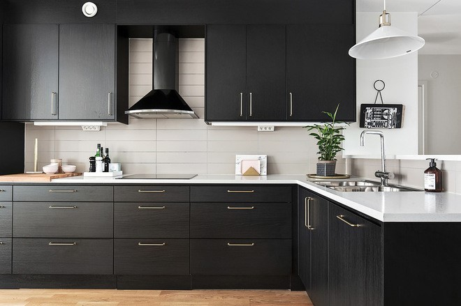 Kitchen Conundrum: Upper Cabinets, Open Shelves Or Space