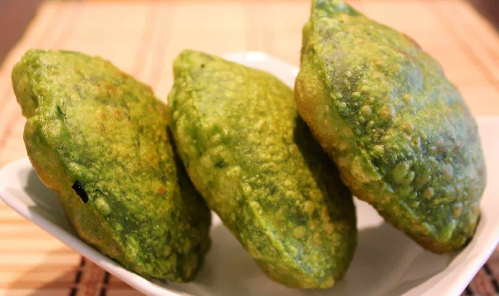 Palak Puri Recipe - How to Make Palak Poori