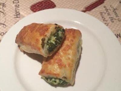 Potato Rolls Stuffed With Spinach And Tofu