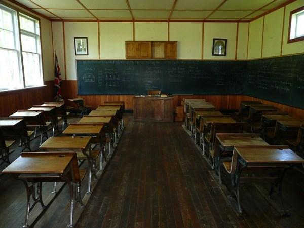失われる広東語、普通話による学校教育