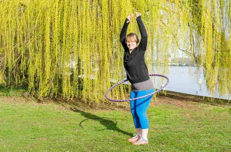 Hula-Hoop Dance