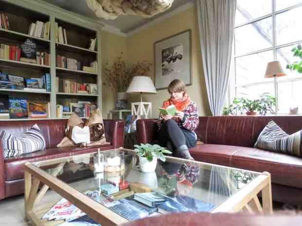 Bibliothek im Bio-Hotel Helvetia in Schmilka