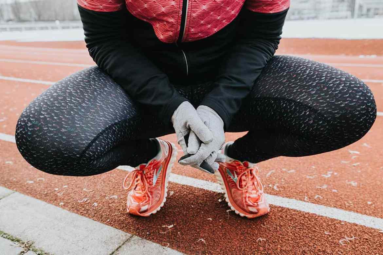 Handschuhe beim Laufen im Winter