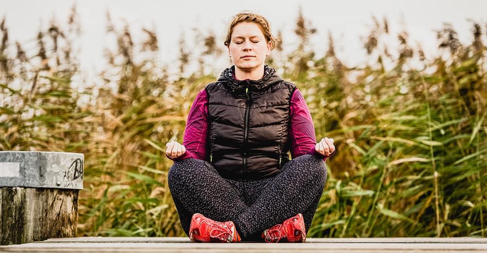 Achtsamkeitstraining für Läufer: Steigere Deine Trainingsleistung mit Mediation im Alltag.