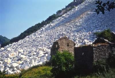 Cava di marmo ad Arnétola (Alpi Apuane)